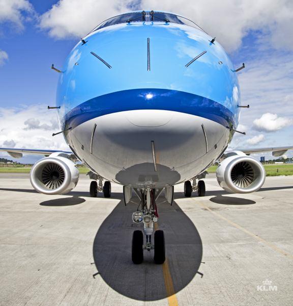 KLM_Embraer_190_2