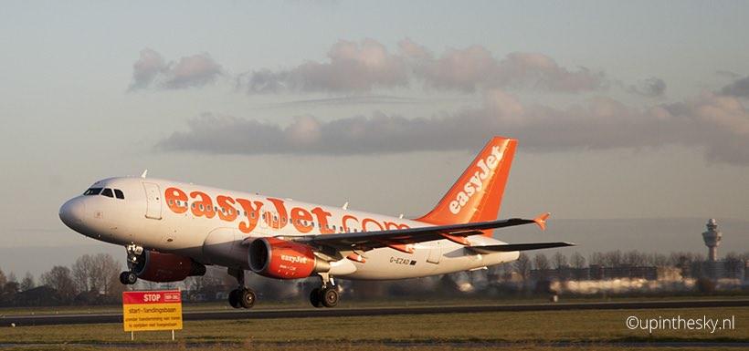 EasyJet_A319_Schiphol_Take-off