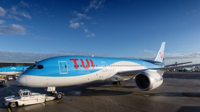 Photo of TUI 787 botst tegen slurf op Schiphol | Video