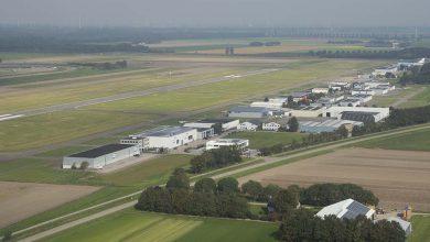 Photo of Vliegtuig door neuslandingsgestel gezakt: Lelystad dicht