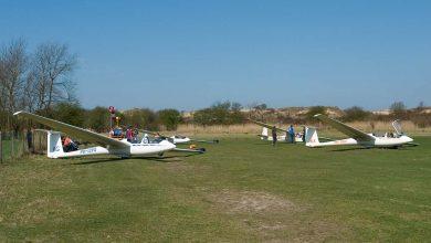 Photo of Zweefvliegtuig landt op akkerland Zutphen