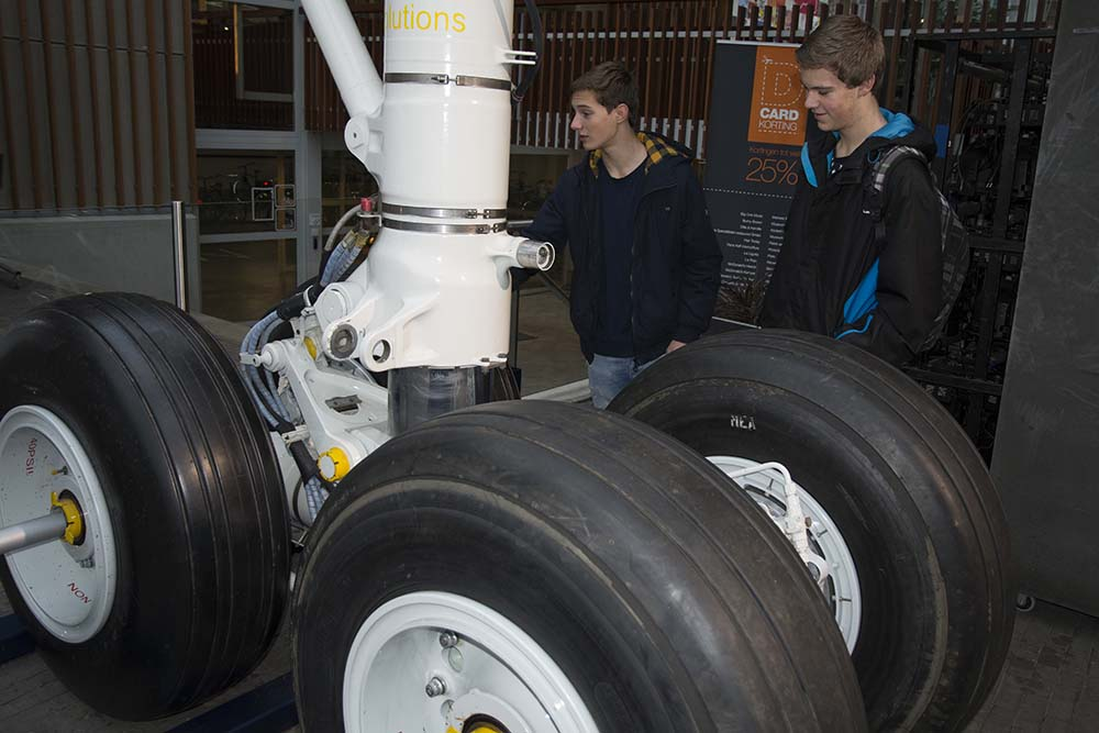 003 Landingsgestel Deltion College Zwolle 150116 Remco de Wit