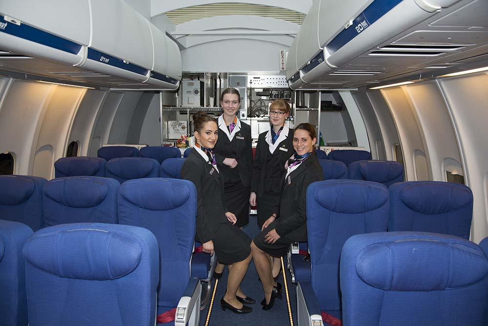 009 Stewardessen in opleiding Deltion College Zwolle 150116