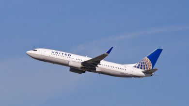 Photo of Motor United Airlines-737 vat vlam in de lucht | Video