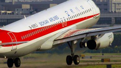 Photo of Noodlanding Sichuan Airlines door gebroken cockpitraam