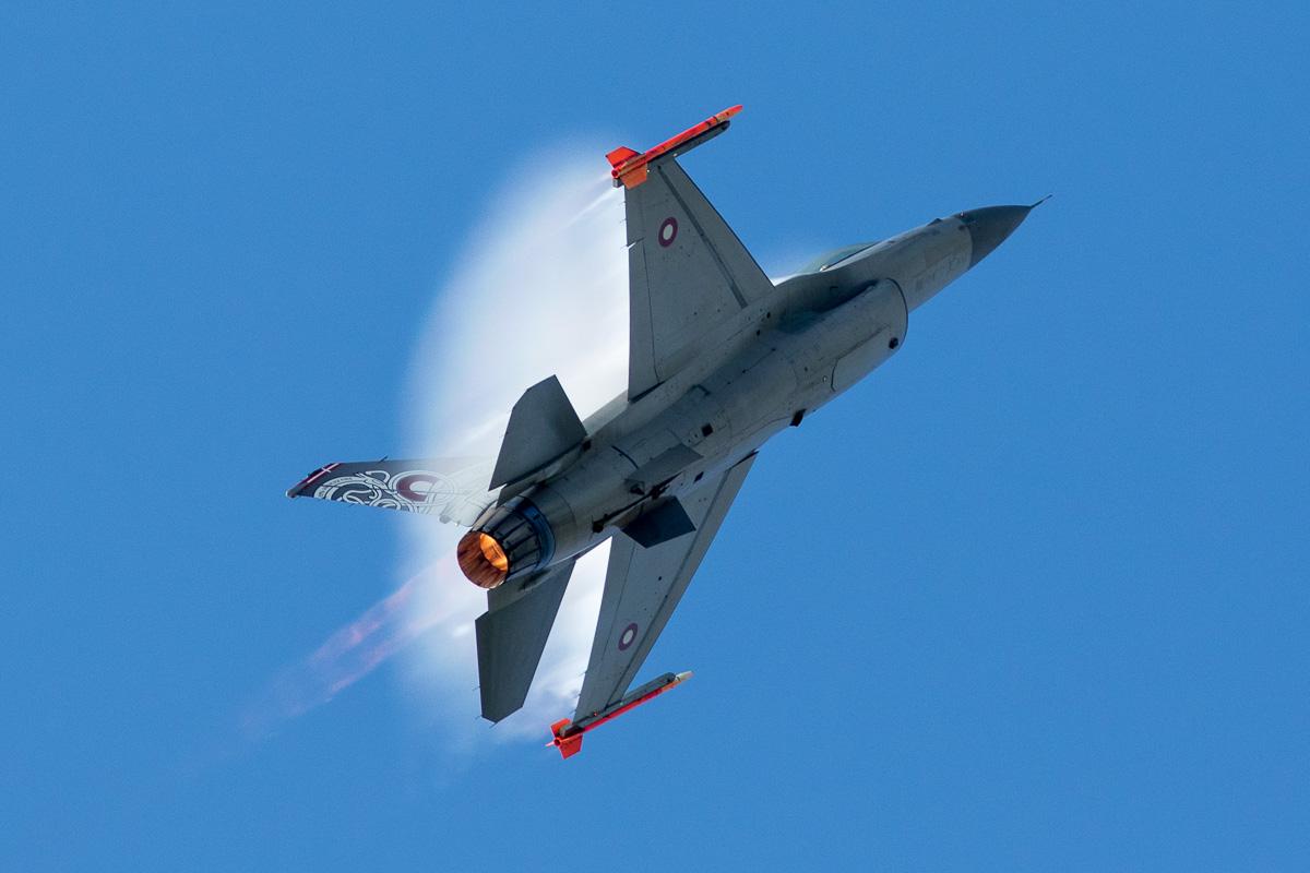 F-16AM van de Deense luchtmacht © Leonard van den Broek