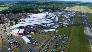 Photo of Farnborough Airshow ontruimd door regenval