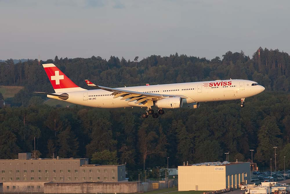 HB-JHC Airbus A330-300 Swiss (c) Remco de Wit