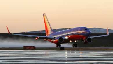 Photo of Landende Southwest 737 raakt persoon in Texas