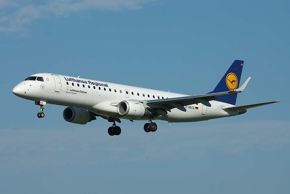 Embraer 190 ©Remco de Wit