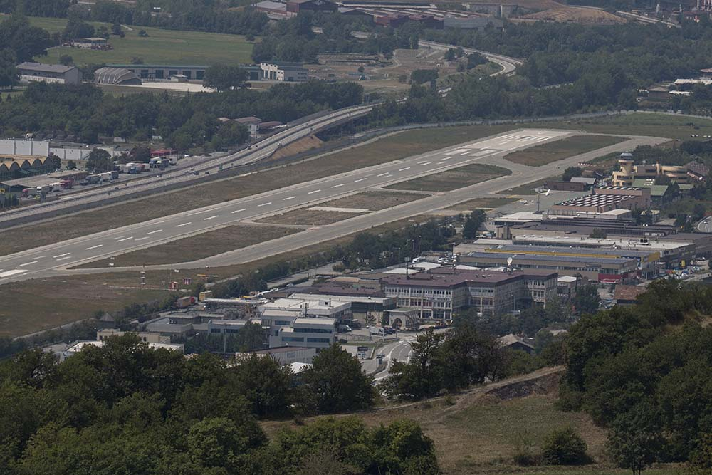 Aeroporto Aosta : Foto aosta aeroporto copyright remco de wit up in the sky
