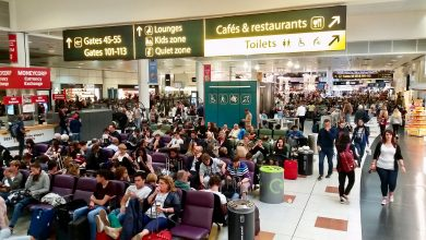 Photo of Honderden passagiers bijna week vast op Gatwick Airport