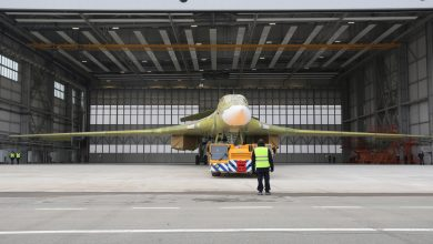 Photo of Roll-out vernieuwde Tupolev Tu-160 bommenwerper   Video