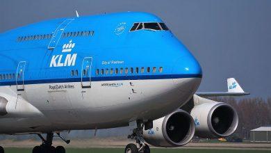 Photo of KLM-Jumbojet in de schemer geland op Twente