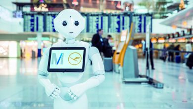 Photo of Robot wijst passagiers de weg op München Airport – Video
