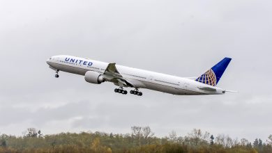 Photo of United 777 landt zonder motorbehuizing