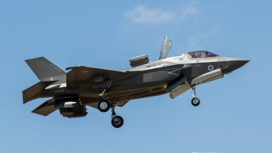 Photo of F-35 landt verticaal op vliegdekschip | Video