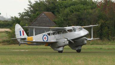 Photo of Vintage vliegtuig stort neer tijdens vliegshow