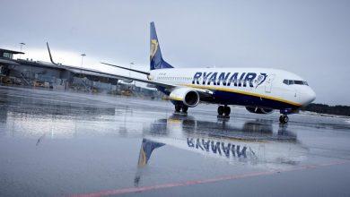 Photo of Ryanair toestel maakt voorzorgslanding door rook | video