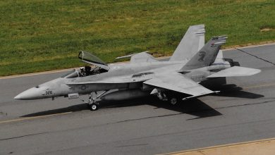 Photo of US Navy zegt 'gewone' Hornet vaarwel