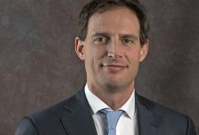 Photo of KLM: is het reddingsplan goed genoeg? Minister wil loonmatiging tot 2025