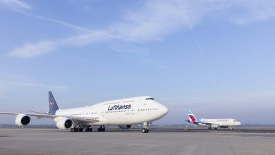 Photo of Lufthansa-747 landt in Los Angeles | Video