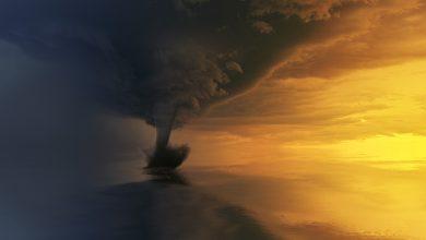 Photo of Tornado in VS verscheurt vliegtuig UPS