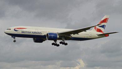 Photo of Britse 777 wijkt uit door rokende telefoon