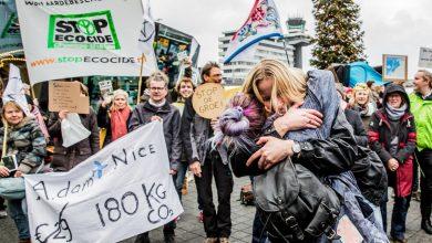 Photo of Tweede protestdag Greenpeace Schiphol buiten verder