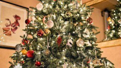 Photo of Luchthaven maakt kerstboom van verboden items