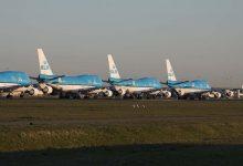 Photo of Vier gepensioneerde KLM 747's op een rij op Schiphol