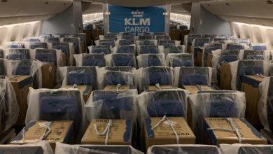 Photo of KLM vervoert voor het eerst vracht op passagiersstoelen