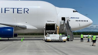 Photo of Boeing zet Dreamlifter in voor mondkapjesvervoer