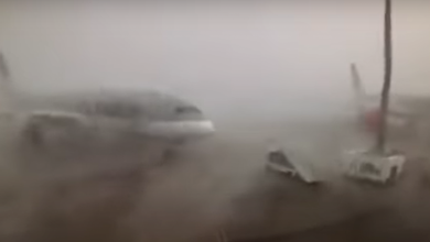 Photo of Wind blaast Boeing 787 tegen Airbus A350 aan | Video