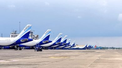 Photo of Indiaas vliegveld Calcutta getroffen door supercycloon