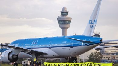 Photo of Greenpeace wil via rechter einde steunpakket KLM afdwingen