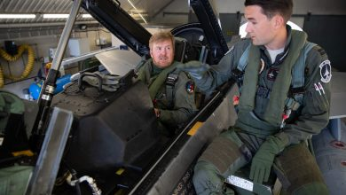 Photo of Koning Willem-Alexander vliegt in F-16 boven Nederland