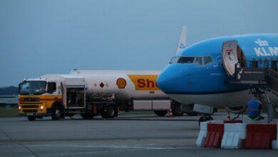 Photo of KLM-vlucht wijkt uit naar Eelde vanwege onweer
